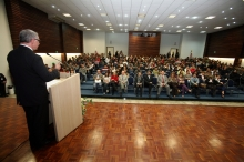 Link: http://www.agenciafiep.com.br/wp-content/uploads/2012/08/palestra-campagnolo-1.jpg
